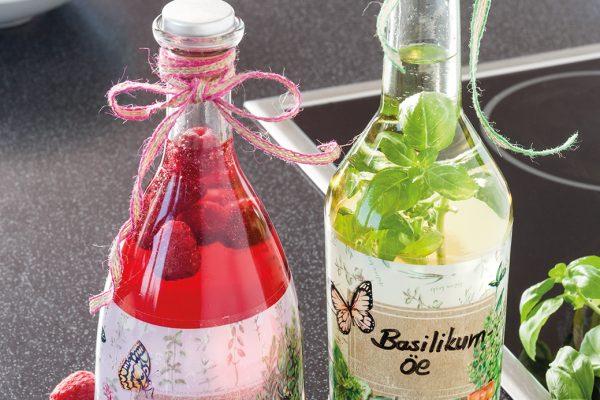 Dekorative Essig – und Ölflaschen