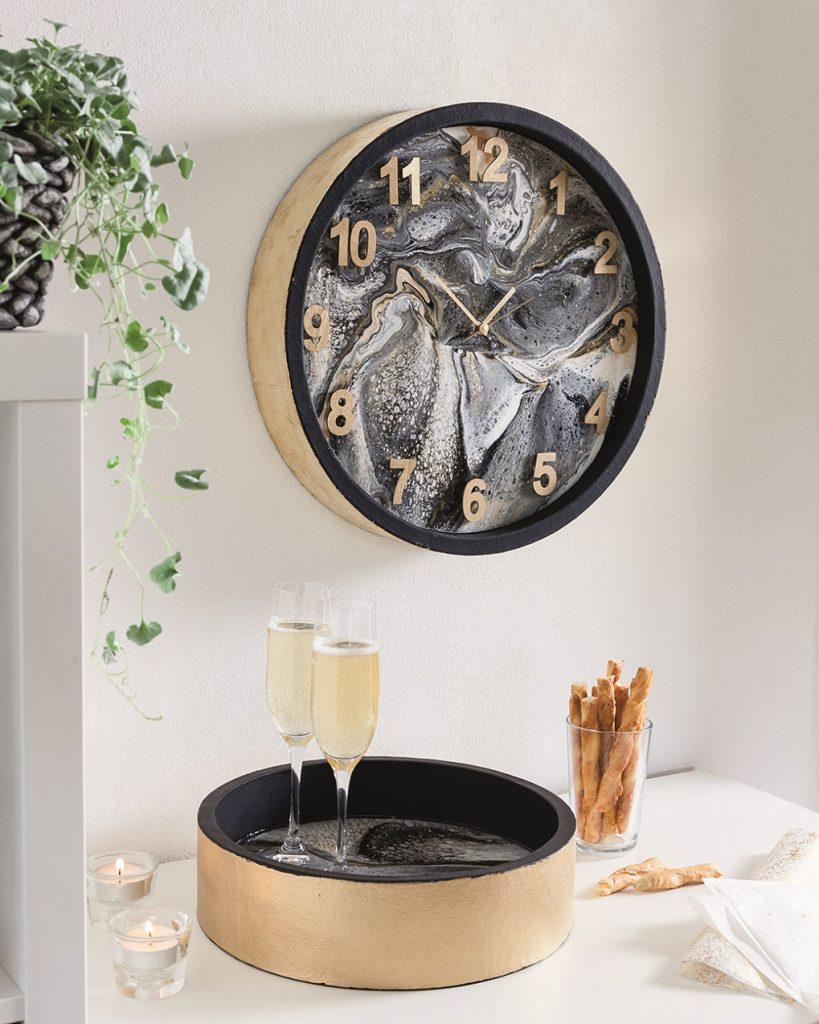 Pouring – Stylische Uhr